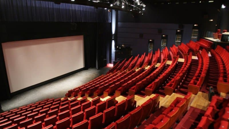 Une-salle-de-cinema-photo-dillustration-Pierre-Verdy-AFP-367598-1