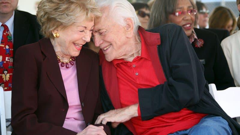 Mort d'Anne Douglas, la veuve de Kirk Douglas, à l'âge de 102 ans