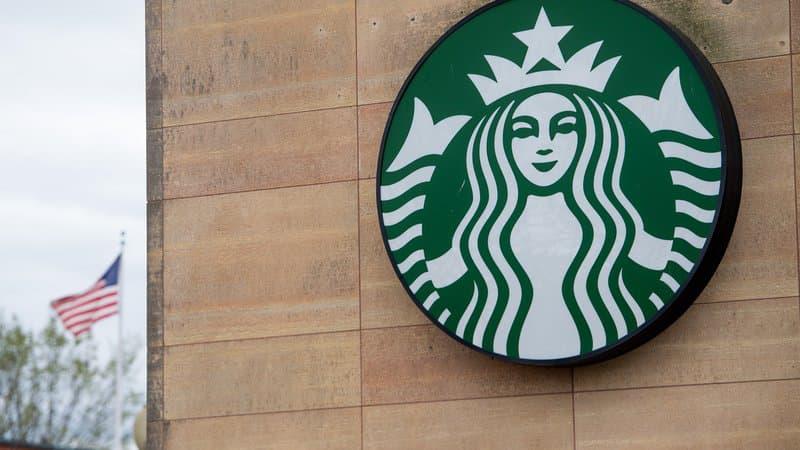 Haine en ligne: Starbucks sur le point de quitter Facebook?