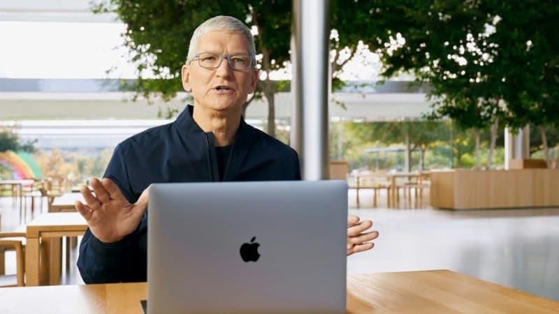 Photo-fournie-par-Apple-du-patron-du-groupe-Tim-Cook-au-siege-de-l-entreprise-a-Cupertino-le-10-novembre-2020-en-Californie-1043234